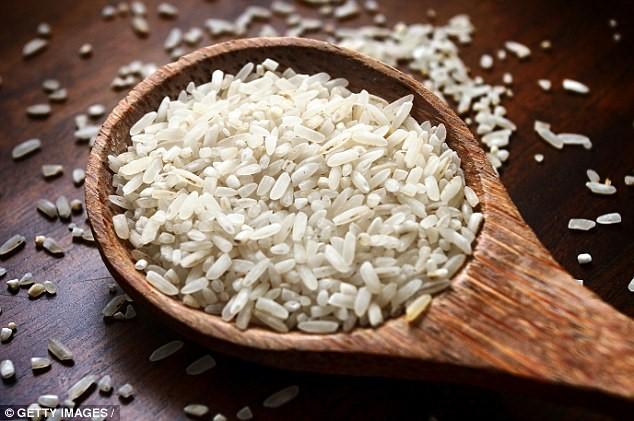 Cách nấu cơm giúp loại bỏ hóa chất trong gạo