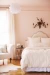 Phòng ngủ màu hồng đào: Vừa lạ vừa ngọt ngào
