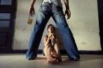 Bà mẹ trẻ cố gắng ly hôn người chồng nghệ sĩ, vũ phu