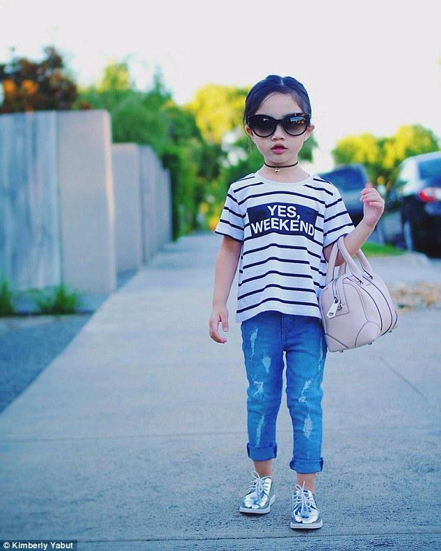 Chưa chắc bạn có thể tự phối đồ tinh tế như bé gái 3 tuổi này
