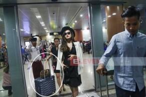 """Á hậu Huyền My giải thích việc """"nối gót Kỳ Duyên"""" để mẹ đẩy hành lý tại sân bay"""