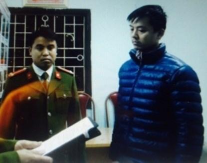 Và thời điểm nghe tống đạt các quyết định khởi tố bị can, tạm giam, tại trụ sở Công an phường Hoàng Liệt