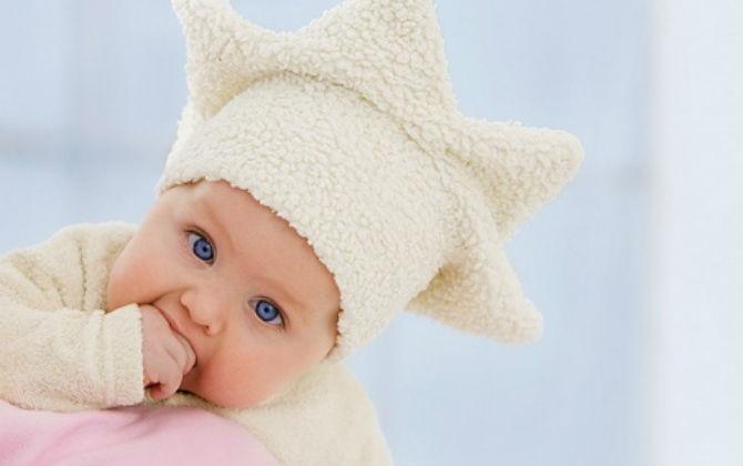 5 nguyên tắc giữ ấm cho trẻ ngày giao mùa, ẩm ướt