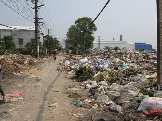 Huyện Hoài Đức, Hà Nội: Dân sống ngập trong rác