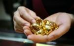 Giá vàng hôm nay 25/3: Thị trường suy yếu, dân mua thờ ơ