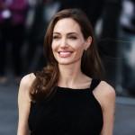 Mới ly hôn được 7 tháng, Angelina Jolie đã chuẩn bị lấy chồng thứ 4?