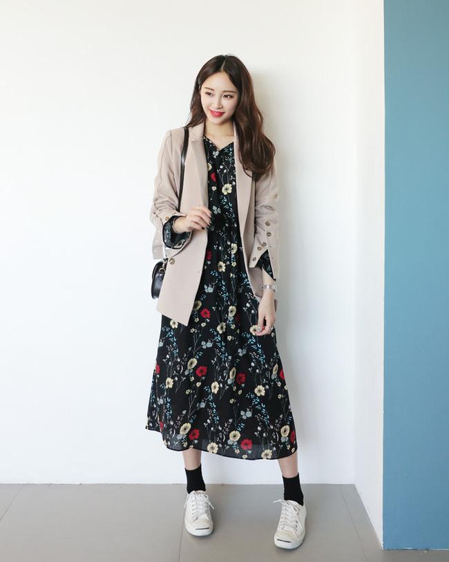 Váy hoa năm nay hot thì ai cũng đã biết, nhưng phải mặc thế nào mới là đúng điệu nhất? - Ảnh 21.