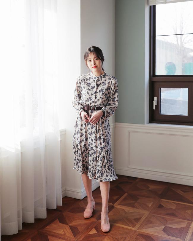 Váy hoa năm nay hot thì ai cũng đã biết, nhưng phải mặc thế nào mới là đúng điệu nhất? - Ảnh 1.