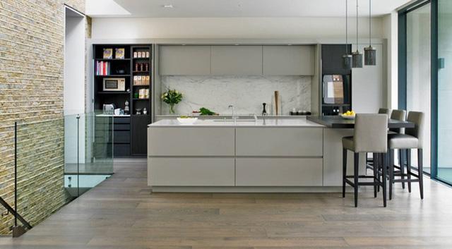 5. Với những căn bếp sử dụng màu xám thì ánh sáng tự nhiên là một yếu tố vô cùng quan trọng.