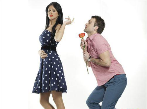 Đàn ông tán gán theo cách này, phụ nữ chớ dại nhận lời yêu