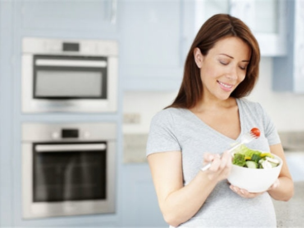 Những thực phẩm kết hợp với nhau khiến bà bầu gặp họa khi vừa ăn vào dạ dày
