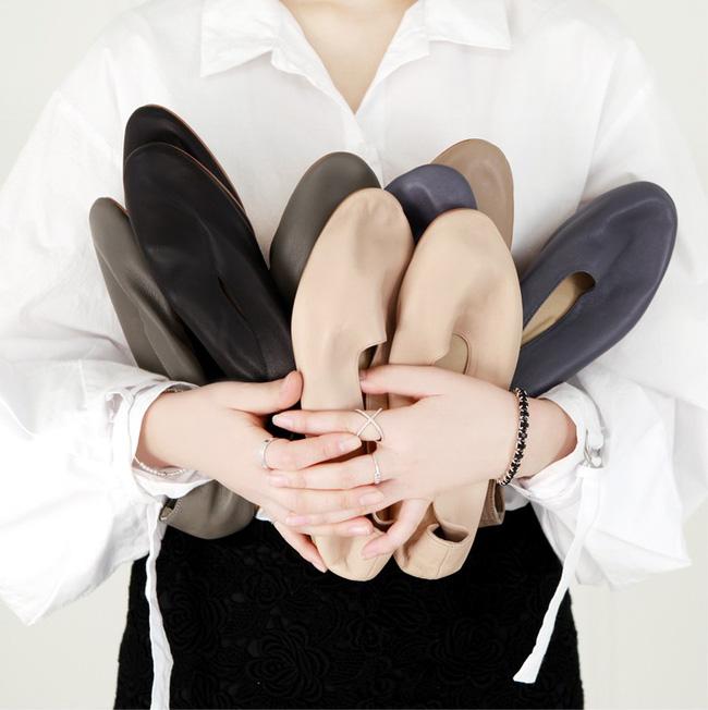 """Điểm danh 11 kiểu giày bệt quen thuộc giúp nàng công sở lựa chọn được thiết kê """"nịnh"""" chân nhất  - Ảnh 3."""