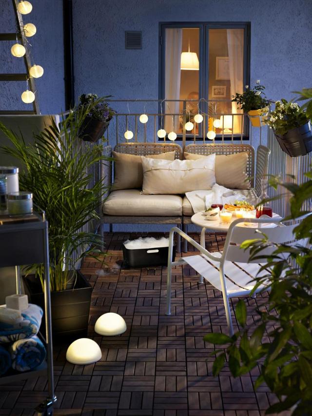 10. Và cuối cùng, đừng quên sự trợ giúp trang trí của những chiếc đèn để tạo nên một buổi tối hè thật sự lãng mạn.