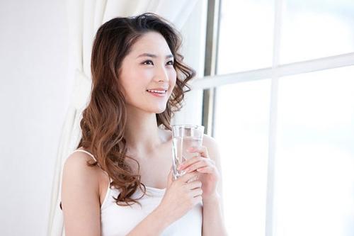 Uống nước vào buổi sáng sau khi thức giấc sẽ có điều bất ngờ xảy ra