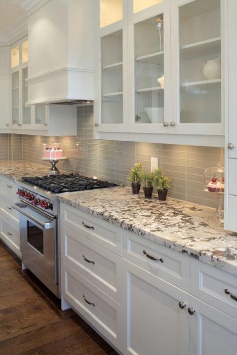 Để giữ nhà bếp luôn sạch sẽ, sáng đẹp như mơ, gia chủ nào cũng phải cân nhắc những điều này