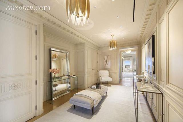 Được biết, trước đó, tỷ phú Marks đã từng rao bán căn nhà 2 lần, vào năm 2012 và 2015 với mức giá là 50 triệu USD (˜ 1137,2 tỷ đồng).