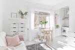 """Chỉ 28m² nhưng căn hộ màu trắng này vừa đẹp không tì vết vừa đủ đầy đến """"hiếm có khó tìm"""""""