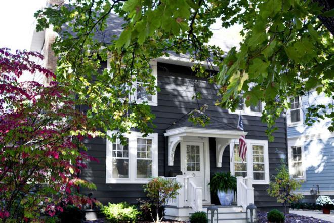 Sau 10 năm ở thành phố, nữ tổng biên tập một tờ báo lớn về quê mua nhà vườn đẹp như thiên đường