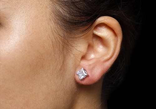 1-Stud-earrings