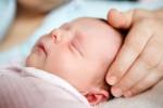 """11 sai lầm """"chết người"""" mẹ hay mắc phải khi chăm trẻ sơ sinh"""