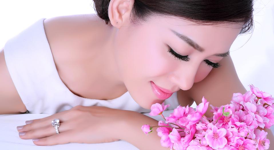 Phát ghiền với kem thần thánh, che khuyết điểm 100‰, dùng nhiều lần da sẽ trắng tự nhiên không cần kem dưỡng