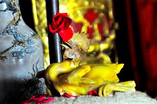 Năm Đinh Dậu, đêm Giao thừa có được cúng gà không?