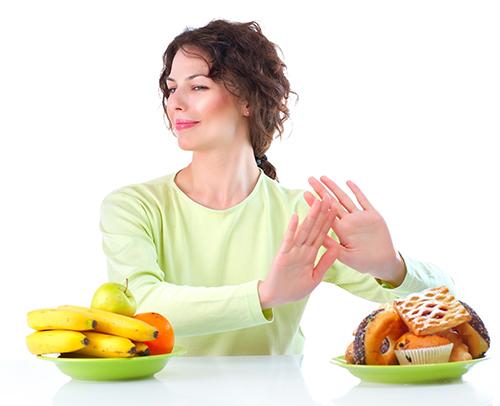 6 bí kíp ăn uống thoải mái ngày Tết để kiểm soát tối đa cân nặng và mỡ bụng