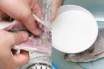 5 cách làm sạch mùi tanh của cá mà chị em phải biết, đi đâu cũng được khen đảm đang