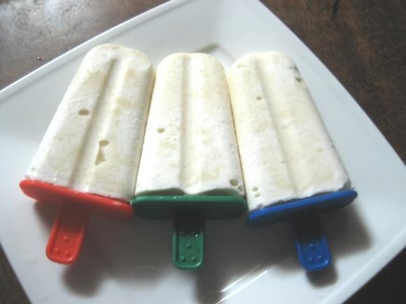 Tốn 5 phút có ngay kem đậu xanh mát lạnh ngon lành, cả nhà ăn giải nhiệt