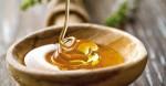 Tách 2 viên vitamin E trộn với mật ong thoa lên da, bạn sẽ hài lòng với kết quả