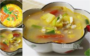 Canh hến nấu dứa chua ngọt, thanh mát cho mâm cơm gia đình