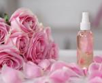 Giảm thâm mụn, làm đẹp da hiệu quả với tinh dầu hoa hồng