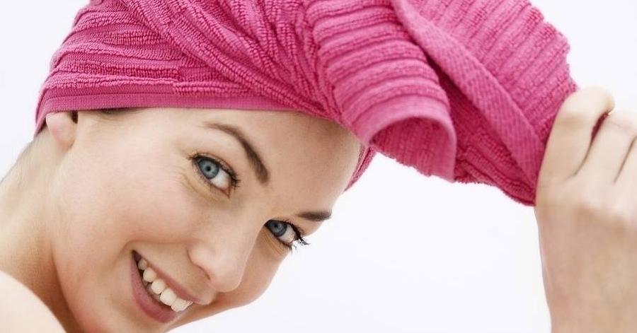 Đắp mặt nạ này một lần, tóc khô xơ như rơm cũng mượt mà óng ả