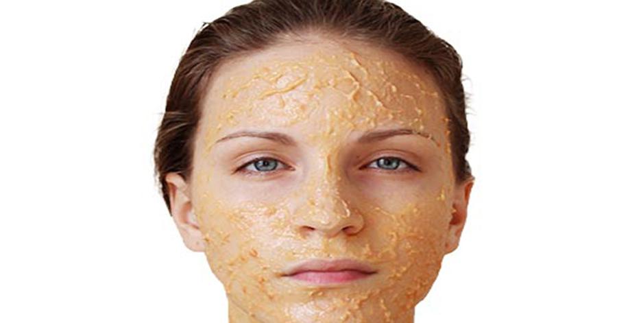 Đông đá 1 củ khoai tây rồi chà lên mặt, nám tàn nhang bay sạch, da trắng không tì vết