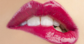 """3 mẹo """"hô biến"""" cho đôi môi thâm sạm trở nên hồng hào đầy sức sống"""
