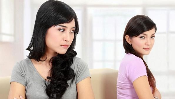 """Vừa về nhà chồng đã bị cô em dâu trừng mắt: """"Chị đừng hòng sống yên ổn"""", hẹn ra nói chuyện mới biết sự thật kinh hoàng"""