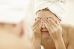Những thói quen hủy hoại làn da, khiến bạn già đi hàng chục tuổi mà 99% phái đẹp mắc phải