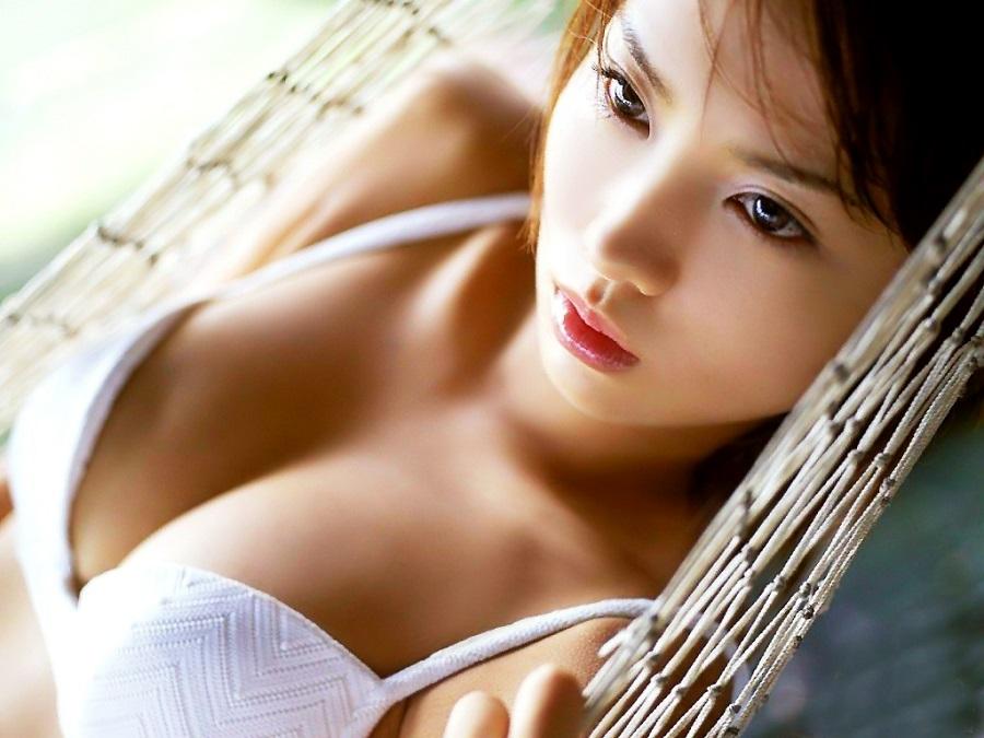 Không cần phẫu thuật, ngực sẽ không bao gờ bị chảy xê, lõng lẽo