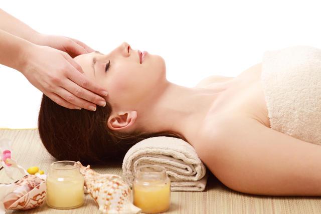 Sữa ong chúa – Cách dưỡng da khỏe từ bên trong,  giúp trị mụn và chống lão hóa hữu hiệu