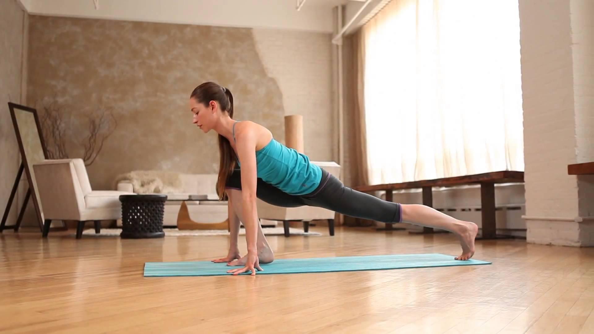 Hết Tết rồi! Cùng tập yoga giảm cân đi là vừa nàng ạ!