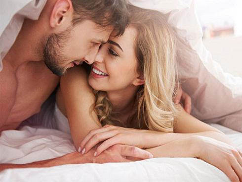 """10 điều đàn ông luôn khao khát """"trên giường"""", là vợ nhất định phải biết để chồng """"nghiện"""" mãi không thôi"""