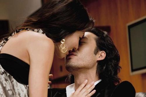 Đêm khát tình của gái ế và người đàn ông LỌC LÕI không biết tên