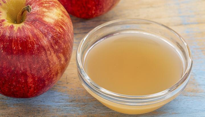 nước ép táo giúp giảm mụn