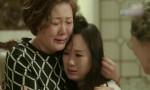 Mẹ già lên thăm con gái lấy chồng xa mà khóc nấc: 'Tha thiết gì loại chồng như thế này, về thôi con!'