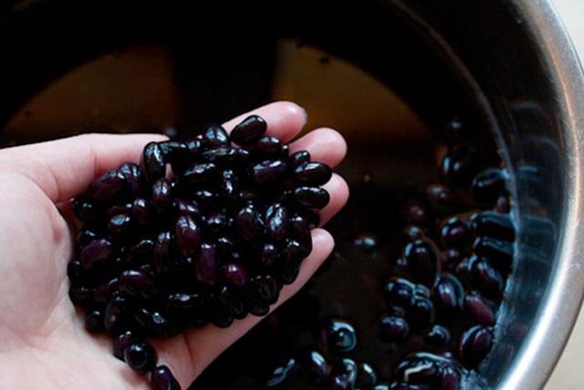 Đông y nói đậu đen là thực phẩm tốt cho sức khỏe nhưng có 3 đối tượng không nên ăn