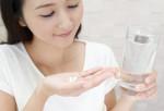 Đều đặn dùng viên uống trắng mỗi ngày, da trắng sáng nõn nà hệt như con gái miền Tây.