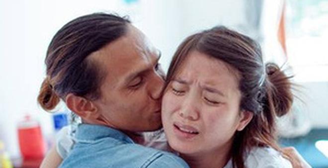 Đưa vợ đi đẻ và những tình huống khó xử mà người chồng bắt gặp