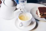 Những tác hại không ngờ đối với sức khỏe nếu uống trà xanh sai cách