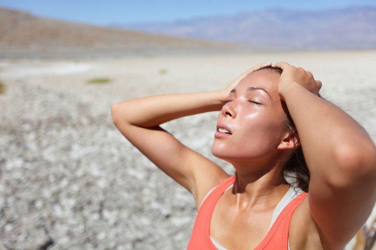 5 bước sơ cứu sốc nhiệt khẩn cấp: Mùa hè nắng nóng ai cũng cần biết để tự cứu mình
