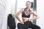 Bài tập bụng 6 múi tại nhà của Gigi Hadid